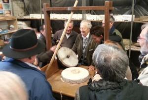 """Présentation des """"collections meulières"""" dans les réserves visitables de la JPGF à Villiers-le-Bel"""
